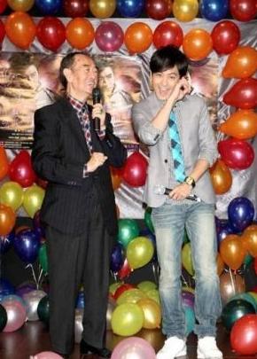 父亲林德雄,慈善家,2011年过世
