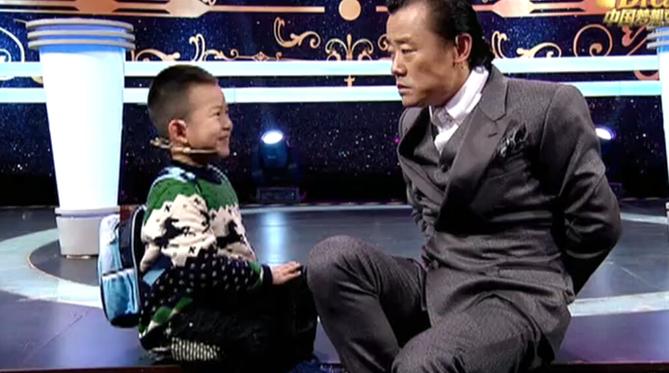 《中国梦想秀》第九季第14期:5岁男孩为癌症妈妈洗衣做饭 梦想见波波老师
