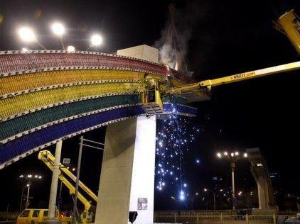 北京长安街彩虹门拆除重建