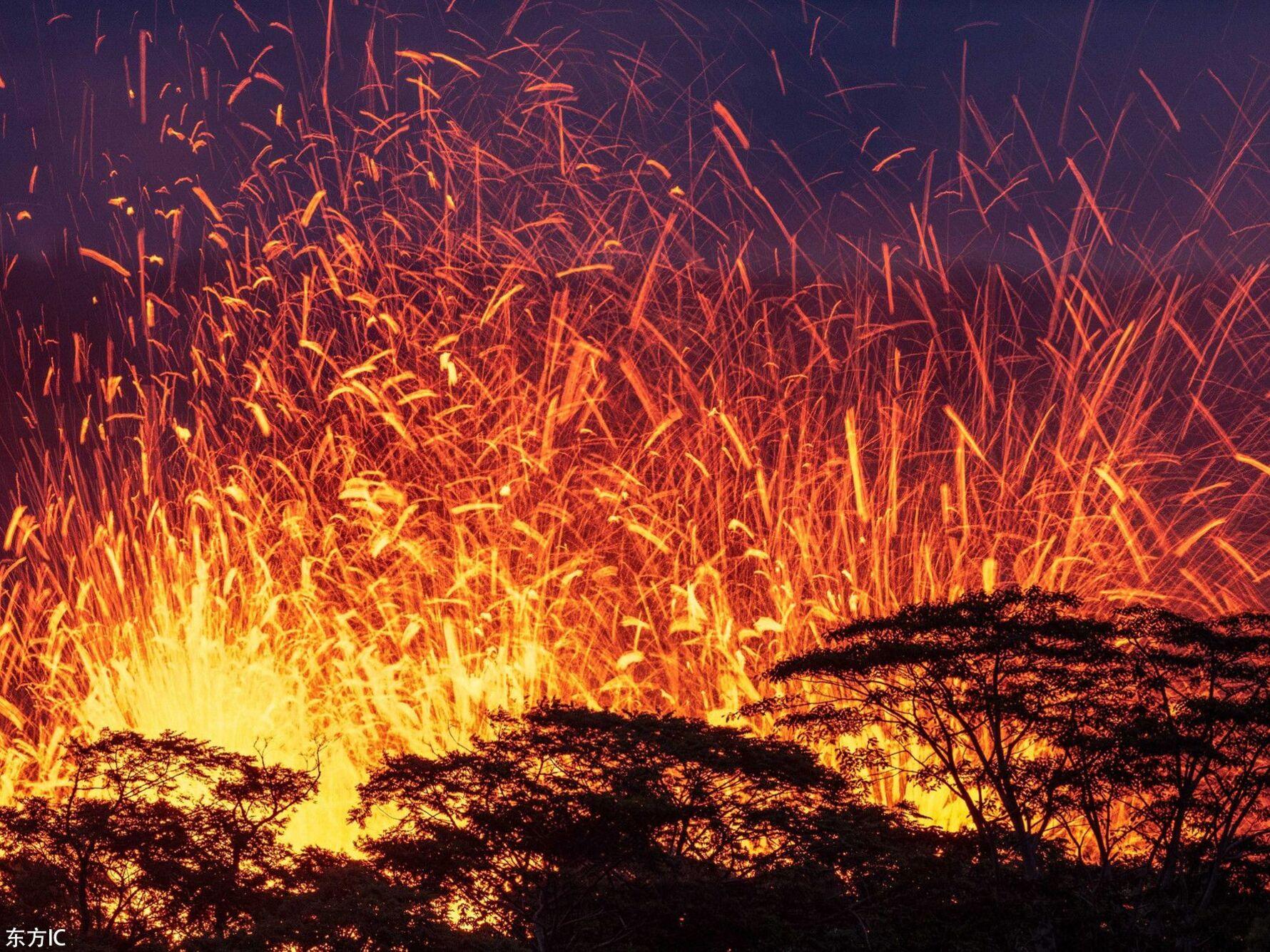摄影师近距拍夏威夷火山喷发