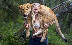 现实版美女与野兽!